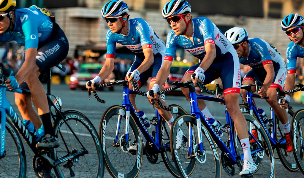 TEAM TOTAL DIRECT ENERGIE image 2